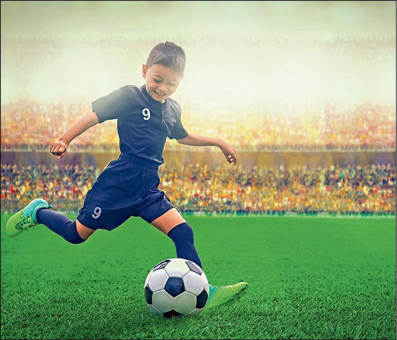 【OTTAWA天天中文学校作文选登】我喜欢足球