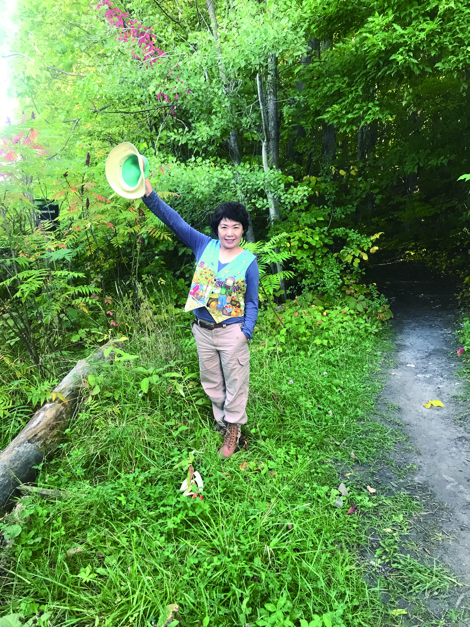 瑞荣和她创作的盆景艺术